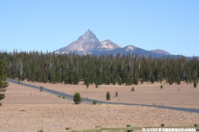 View of Mount Thielsen from Crater Lake National Park