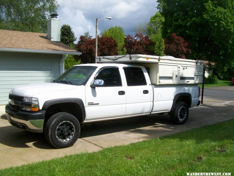 how much does a gas chevy 2500hd autos post. Black Bedroom Furniture Sets. Home Design Ideas