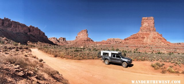 Enjoying the Valley of the Gods