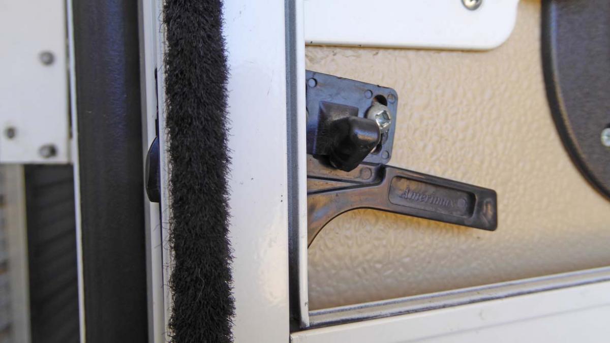 Fwc Hawk Screen Door Latch Four Wheel Camper Discussions Wander