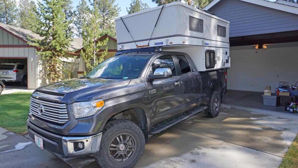 2016 Four Wheel Camper Hawk Front Dinette Loaded